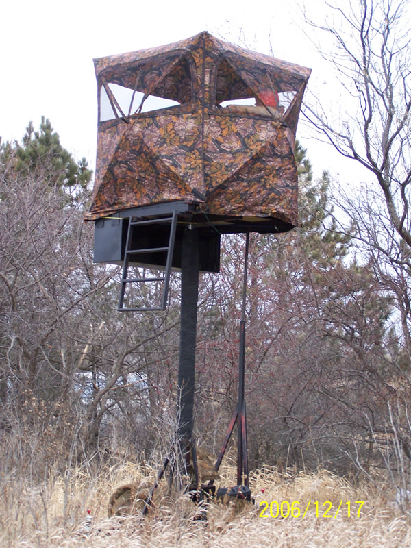 New Height Technology Hydraulic Man Lifts Deer Stands